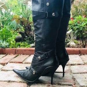 N.Y.L.A. Shoes - Calf high bondage boots